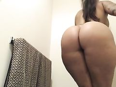 Latina with a big round ass masturbating - real home made amateur porn video.
