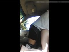 Black dude convinces white woman to fuck her in car and dump his cum in pussy